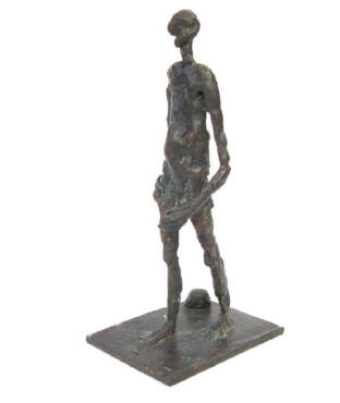 man on the beach 4, bronze sculpture by Elke Rehder